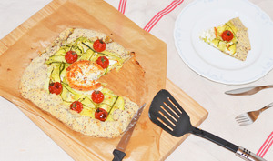 Galette de quinoa, courgette, chèvre et mini-tomates