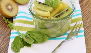 Salade de Kiwis aux 2 Citrons et Basilic
