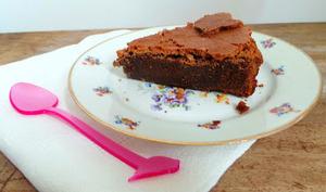 Gâteau fondant au chocolat au lait et au gingembre