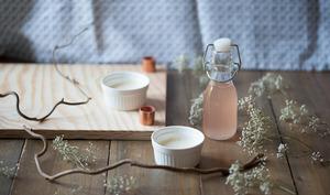 Panna cotta à la vanille fraiche et sirop de rhubarbe