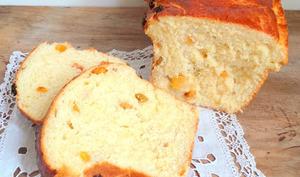 Grosse brioche façon pain au lait aux raisins secs