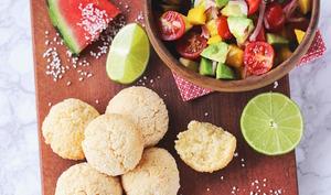 Pao de Queijo et salsa de mangue et avocat
