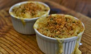 Ramequins de macaronis au brocolis et fromages ricotta, mozzarella, parmesan