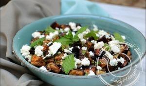 Salade d'aubergines grillées à la feta et pignons