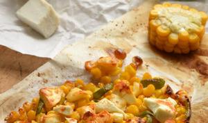 Maïs rôti au chèvre, poivron et sauce piquante