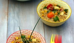 Salade de riz sauté à la sauce soja façon thaï