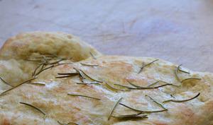 Pizza bianca au romarin
