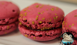 Macarons framboises pistaches