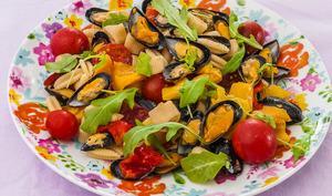 Salade de pâtes aux poivrons et aux moules
