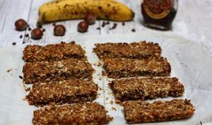 Barres de céréales avoine, banane, noisettes et chocolat
