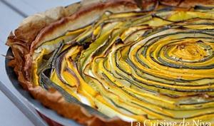 Tarte hypnotique aux courgettes jaunes et vertes