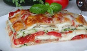 Lasagnes végétariennes aux courgettes, tomates et mozzarella