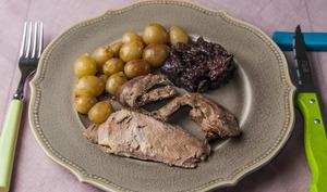 Canard, raisins et confit d'oignons