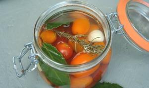Tomates cerises lacto-fermentées