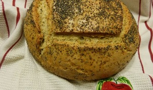Pain de seigle aux pommes de terre et graines de pavot