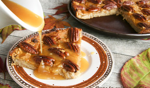 Gâteau très moelleux pommes-noix de pécan et caramel végétal