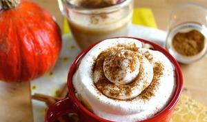 Café latte au potiron et épices d'automne