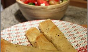 Salade grecque à la pastèque et bricks à la feta