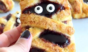 """Momies """"Hand Pies"""" au beurre de cacahuète et à la confiture de fruits rouges"""
