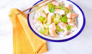 Nouilles de riz aux crevettes sauce à l'avocat