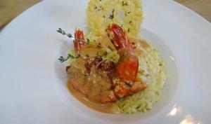 Risotto de Risetti, crevettes sauvages à la plancha, chips de Parmesan au thym frais