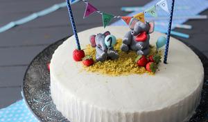 Fraisier pistache gâteau d'anniversaire