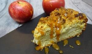 Gâteau crumble pommes cannelle et son caramel au beurre salé