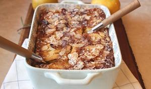 Clafoutis d'automne aux pommes, poires et amandes