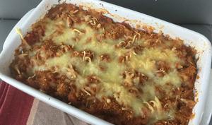 Gratin de courge spaghetti à l'ail, tomate et noix