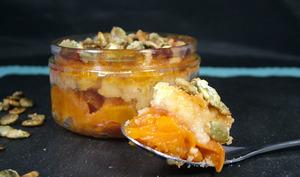 Crumble aux abricots et graines de courge