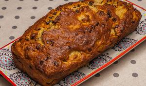Cake farine de blé et semoule de maïs, poires et chocolat