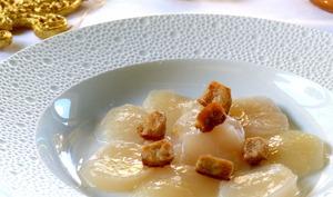Carpaccio de saint jacques au foie gras poêlé