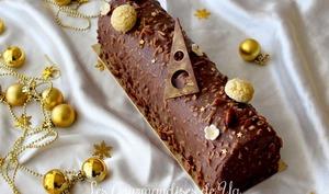 Bûche praliné, vanille et chocolat
