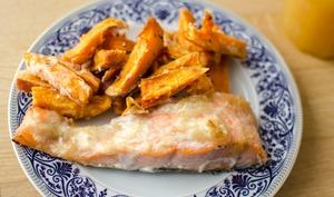 Saumon à la confiture de poire et frites de patate douce