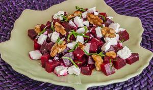 Salade de betteraves, noix et fêta