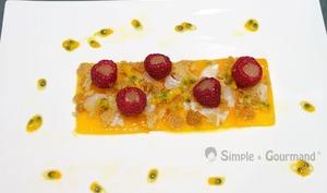 Dessert mangue litchi framboises
