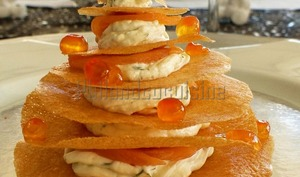 Sapin croustillant au saumon fumé, crème à l'aneth et aux zestes de citron