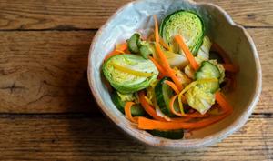 Asazuke de chou, carotte et concombre