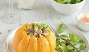 Courge farcie au quinoa, champignons et châtaignes
