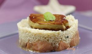 Tartare de saumon à la semoule et foie gras poêlé
