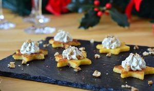 Toasts de polenta au bleu d'Auvergne et aux noix