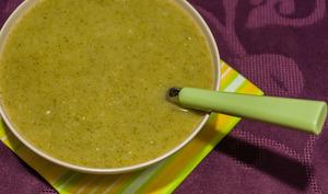 Soupe de brocolis au roquefort