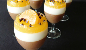 Panna cotta chocolat, épices et orange