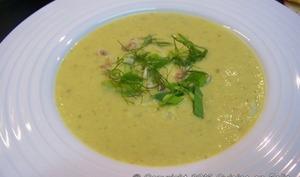 Velouté de courgettes et poireaux au fromage frais ail et fines herbes