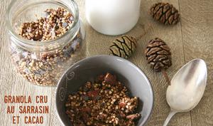 Granola cru au sarrasin et cacao