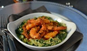 Cassolette aux crevettes, sauce aux olives façon pesto rosso