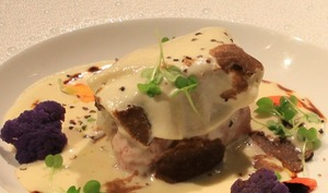 Filet mignon de veau, caviar d'aubergines, scarmoza et truffe