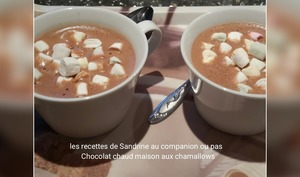 Chocolat chaud maison aux chamallows