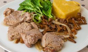 Filet de porc aux girolles et à la polenta