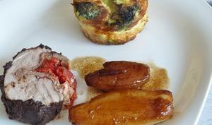 Ballottine de filet mignon enrobée de tapenade et farci au jambon speck et tomates confites